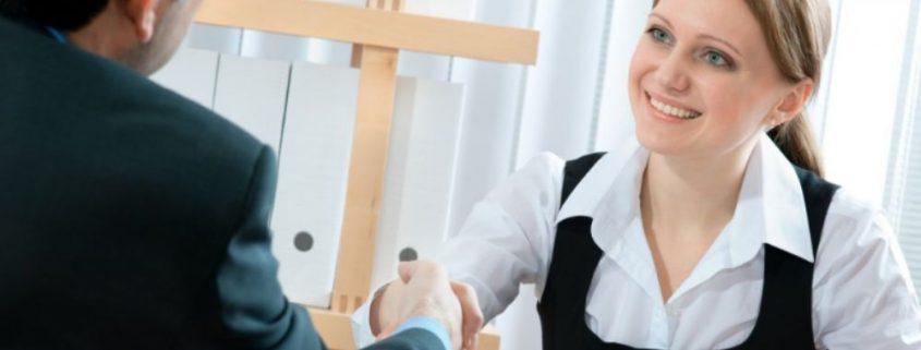 A importância do treinamento para recepcionistas de clínicas | Yannis Marketing para saúde